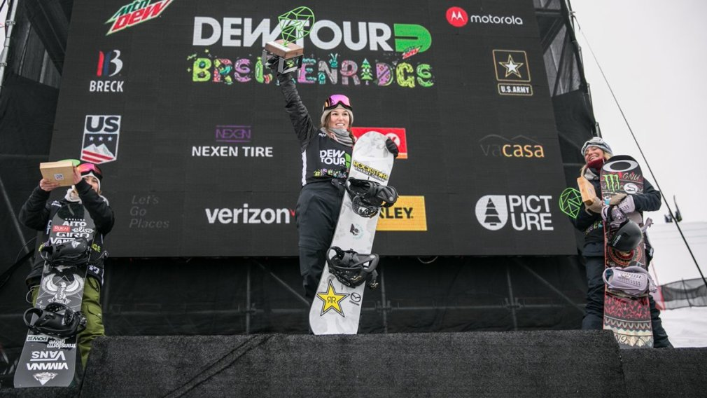 SPENCER O'BRIEN TAKES FIRST IN WOMEN'S SLOPESTYLE – 2017 DEW TOUR